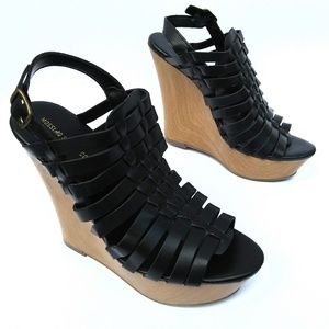 Mossimo strappy wedge heel Size 7 1/2